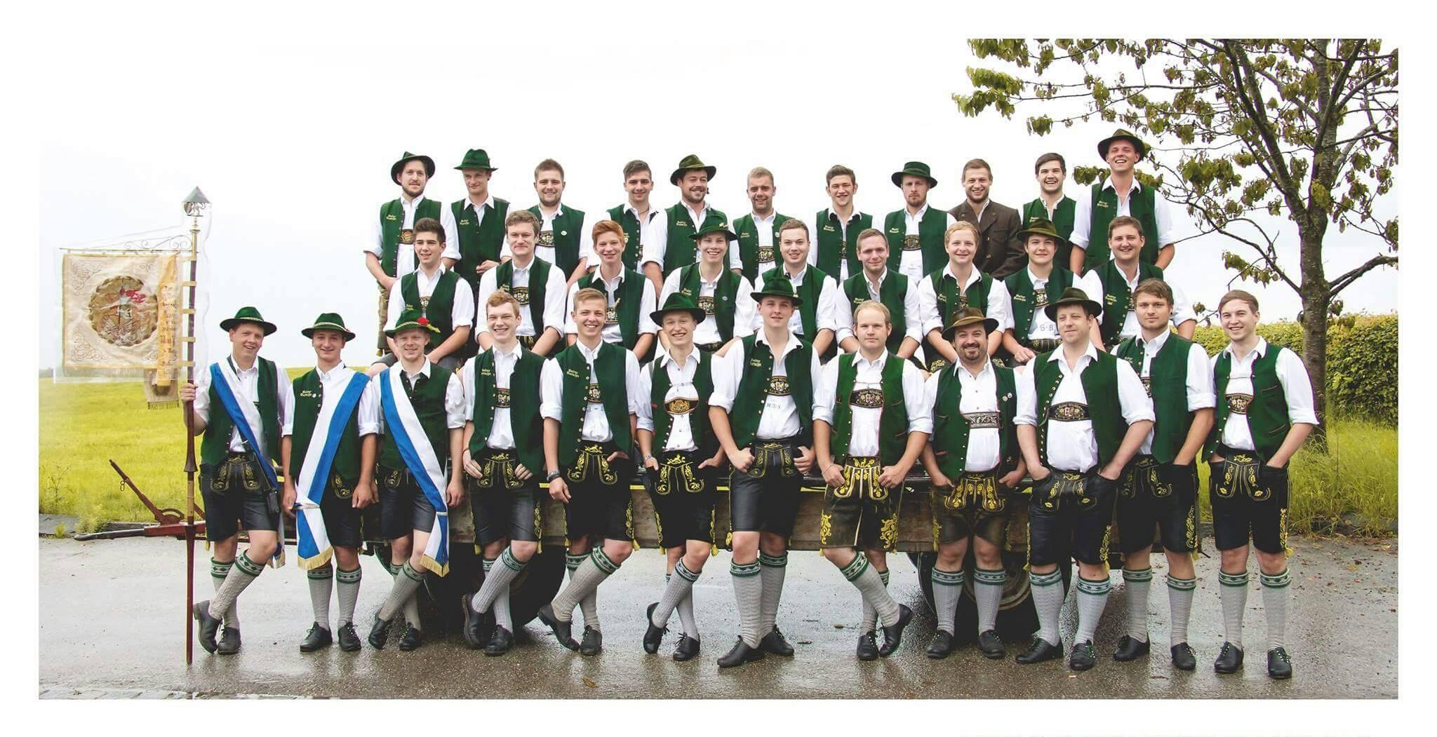 Die aktiven Mitglieder des Burschenverein Baierns im Jahr 2016.